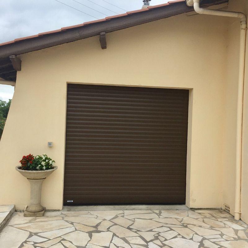 Porte de garage roulante landes